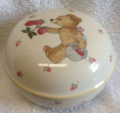 Mikasa TEDDY Round Covered Trinket dish baby CC018 lid BEAR strawberries EUC #Mikasa