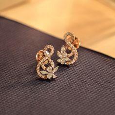 Your daily dose of diamonds! Buy Earrings, Jewelry Design Earrings, Gold Earrings Designs, Ear Jewelry, Diamond Earrings, Earings Gold, Gold Jewelry, Fancy Jewellery, Diamond Stud