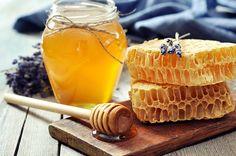 Мёд содержит в себе и сладость, и горечь.  Преображение - Великая сладость для души человека.  Успение - горечь утраты. С медовым постом!