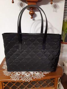kabelka Michael Kors Jet Set, Tote Bag, Bags, Fashion, Handbags, Moda, Fashion Styles, Totes, Fashion Illustrations