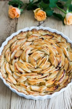 Französische Apfel-Tarte – Flavoured with Love French Apple Tart, Mediterranean Recipes, Ratatouille, Food And Drink, Favorite Recipes, Sweets, Baking, Fruit, Eat