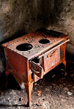 """Rust never sleeps"" by Hercules Milas | Redbubble"