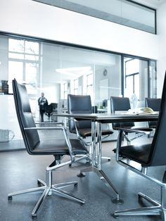 Logon tables and table systems Executive Office Chairs, Home Office Chairs, Office Furniture, Corporate Values, Conference Chairs, People Sitting, Room, Palette, Spaces