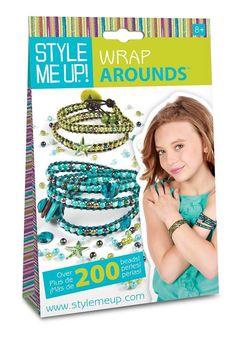 Fabrique un #bracelet avec de la corde cirée et des perles ! Contient: plus de 200 perles, 5 perles pierres précieuses, 3 boutons assortis, 2 couleurs de fil de coton, 2 aiguilles Notice illustrée en couleurs #loisircréatif #création #bijou
