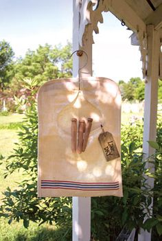 This farmhouse clothes peg bag has so much character....would be very easy to make