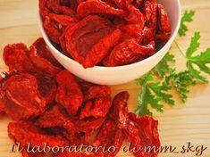 Φτιάχνω λιαστές ντομάτες στο σπίτιφφ Pot Roast, Shrimp, Beef, Cooking, Ethnic Recipes, Food, Tips, Lab, Chef Recipes