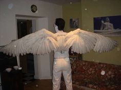 How to make articulated wings for cosplay with real feathers