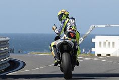 Immagine di http://www.valentinorossi.com/util/image.php?width=363&height=244&cropratio=363:244&image=http://www.valentinorossi.com/images/ante%20PHill.jpg.