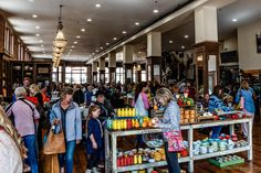 https://flic.kr/p/Tguius | wall to wall shoppers at the Pioneer Woman's Mercantile store