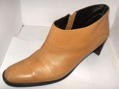 WOMENS BEIGE LEATHER ANKLE BOOT SIZE 8M BY ETIENNE AIGNER GOOD SHAPE #EtienneAigner #FashionAnkle