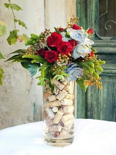 Winery Wedding Decor - Create a beautiful floral arrangement In a vase filled with corks as a base. Wine And Cheese Party, Wine Tasting Party, Wine Cheese, Tasting Room, Wein Parties, Wine Cork Crafts, Crafts With Corks, Deco Floral, Floral Arrangements