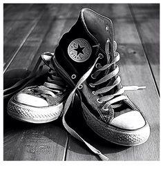 Converse Black and White