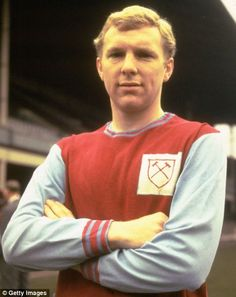 West Ham are to retire the No 6 shirt worn by legendary defender Bobby Moore. England's World Cup-winning captain made his West Ham debut almost 50 years ago. Pure Football, Football Icon, Football Is Life, Football Players, Bobby Moore, Fifa, West Ham United Fc, The Sporting Life, World Cup Winners