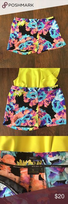 """Flirty Floral Shorts Beautiful floral print from Worthington. Modern fit, 100% polyester. In great condition. Length from top of waistband to bottom of hem is 14"""". Worthington Shorts"""