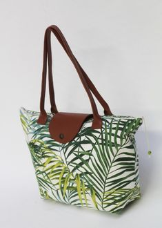 Diy Bags 63639 Tutorial: The Elegance bag - I make it myself Crochet Food, Hand Crochet, Crochet Bags, Longchamp, Elsbeth Und Ich, Diy Sac, Sacs Diy, Crochet Baby Booties, Crochet Headbands