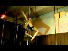 ▶ Guest Performance at Soulflight Studio: Julia Wahl - YouTube