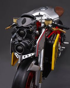 From Decepticon :) Ducati 999, Ducati Motorcycles, Cars And Motorcycles, Modern Cafe Racer, Motorcycle Lights, Ducati Monster, Bike Design, Ocean City, Sport Bikes
