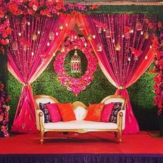 Let's jump to the list of off-beat Mehndi ceremony decoration ideas, that will lit up your decor in the best way, unique mehndi decor ideas Wedding Backdrop Design, Desi Wedding Decor, Wedding Hall Decorations, Wedding Stage Design, Luxury Wedding Decor, Wedding Reception Backdrop, Wedding Mandap, Gold Wedding, Indian Wedding Stage