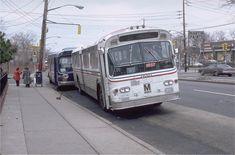 Metropolitan Transportation Authority, Retro Bus, Bus City, Busses, Staten Island, Bus Stop, Fashion Show Collection, New York City, North America