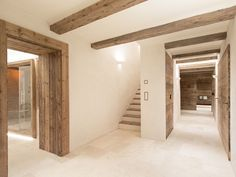Find out all photos and details of Chesa Maria - La Punt. Browse the complete collection of pictures and design drawings Modern Luxury, Modern Rustic, Tv In Kitchen, Casa Patio, Roof Structure, My Dream Home, Home Interior Design, Future House, Architecture Design