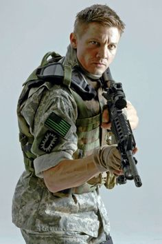 I don't normally like men in camo... but when I do, it's Jeremy Renner