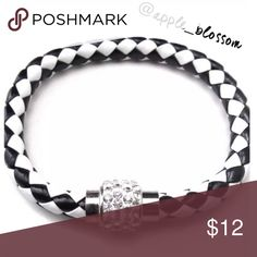 🔷20% OFF🔷 Black magnetic clasp bracelet Everyone Everyday 🌟 work 🌟 sporty 🌟 magnetic clasp with crystals 🌟 comes in original packaging 🌟 pet/smoke free home Jewelry Bracelets