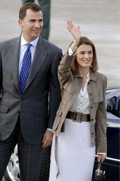 Los Principes de Asturias. Doña Letizia se apunta a la tendencia 'Safari' tan de moda esta temporada.