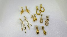 Dangles and Drops Clip Earrings Retro lot AT Gold tone Petite Small clips #etsyseller #wholesalelot