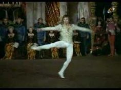 Tchaikowsky Swan Lake Rudolf Nureyev with Margot Fonteyn Margot Fonteyn, Shall We Dance, Just Dance, Rudolf Nurejew, Ballet Images, Male Ballet Dancers, Nureyev, Alvin Ailey, Modern Dance