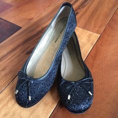 Adrienne Vittadini Cathi Ballet Flat Black ballet flat with sparkles and bows. Super comfortable. Wear dressed up or down. Worn one time. Adrienne Vittadini Shoes Flats & Loafers