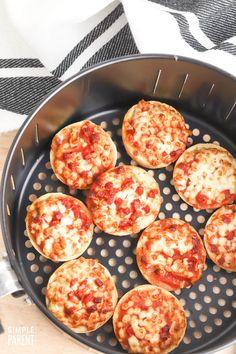 Bagel Bites in Air Fryer Hamburger Stew, Bagel Bites, Homemade Bagels, Easy Snacks, Frozen, Cooking, Ethnic Recipes, Food, Kitchen