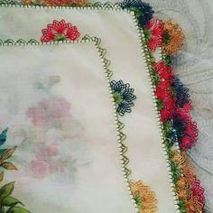 @oyalar077'in Instagram gönderisi • 30 Nis, 2018, 3:01ös UTC Rainbow Quilt, Tatting, Elsa, Needlework, Diy And Crafts, Quilts, Embroidery, Instagram Posts, Sweater