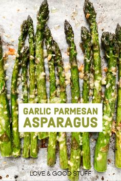 Perfectly roasted asparagus spears covered in garlic and freshly grated parmesan cheese. Asparagus Side Dish, Easy Asparagus Recipes, Saute Asparagus, Oven Roasted Asparagus, Parmesan Asparagus, Vegetable Side Dishes, Garlic Parmesan, Veggie Recipes, Asparagus Spears
