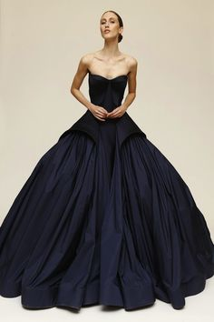 This dress from the Zac Posen Resort 2015 Collection would be even more gorgeous in a vibrate colour IN WHITE
