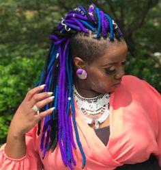 20 playful ways to wear yarn dreads - pinchange Black Braided Hairstyles Updos, Faux Locs Hairstyles, New Natural Hairstyles, Natural Hair Styles, Short Hair Styles, Girl Hairstyles, Hairdos, Faux Dreads, Yarn Braids Styles