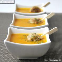 Pumpkin souppp by Tuatha Soup Recipes, Vegetarian Recipes, Cooking Recipes, Healthy Recipes, Vegan Lentil Soup, Pumpkin Soup, Le Chef, Soups And Stews, Love Food
