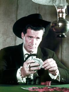 James Garner as Maverick See Garner in The Great Escape and The Rockford Files. Old Western Movies, Western Film, Western Art, Maverick Tv, Vintage Tv, Vintage Horror, Vintage Movies, Tv Westerns, Old Movie Stars