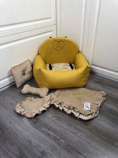 Custom Car Seats, Dog Car Seats, Custom Cars, Bed Measurements, Dog Suit, Small Pillows, Cozy Bed, Dog Harness, Dog Design