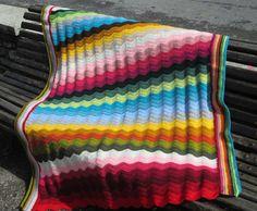 Mantas de ganchillo - Manta ondas mil colores - hecho a mano por Priscilastore en DaWanda