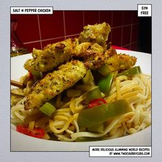 This syn free salt and pepper chicken is a Slimming World classic - fast to prepare and no syns at all! Slimming World Dinners, Slimming World Recipes Syn Free, Healthy Eating Recipes, Cooking Recipes, Salt And Pepper Chicken, Get Thin, Chicken Stuffed Peppers, Skinny Recipes, Main Meals