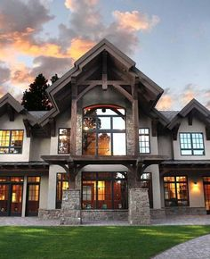 I like all of the windows and how the front of the house looks Timber Frame Homes, Timber Frames, Mountain Houses, Mountain House Plans, Mountain Home Exterior, House Goals, Luxury Houses, Dream Houses, Dream House Plans