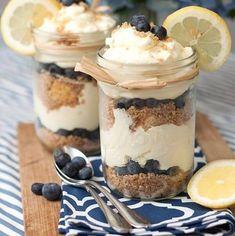Lemon berry cheesecake trifle by Tide Thyme Mason Jar Desserts, Mason Jar Meals, Meals In A Jar, Just Desserts, Dessert Recipes, Mason Jars, Jar Recipes, Cookbook Recipes, Cheesecake Trifle