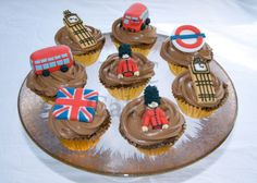 A twist on cupcakes. with the flag, tube, guards, and big ben london-time-lovin Cupcakes, French Cake, London Cake, Big Ben London, Food Festival, Birthday Parties, Baby Birthday, Birthday Ideas, Sweets