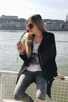 Me for ABIDELESS IN Budapest ✌️❤️ #internationalwomensday #ABIDELESS #women #beauty #yourday #love #adventure #travel #flower #fashion #dope #style #women