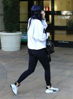 celebstills: Kylie Jenner in Tights – Out in Camarillo 3122016