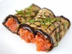 Grilled Eggplant Cannelloni - this could be interesting with seasoned meat included in the filling Eggplant Dishes, Eggplant Recipes, Vegetarian Grilling, Grilling Recipes, Vegetarian Entrees, Cannelloni Recipes, Grilled Eggplant, Mediterranean Recipes, Food Inspiration