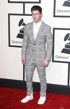 The Biggest Celebrity Style Fails and Wins of the Grammys | Complex