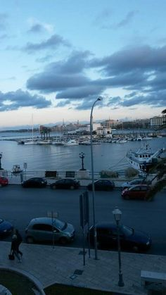 Bari lungomare porto turistico
