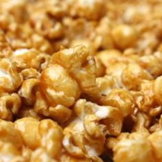 Amish Caramel Corn Recipe I like to double the popcorn and triple the sauce. Popcorn Snacks, Popcorn Recipes, Candy Recipes, Snack Recipes, Cooking Recipes, Popcorn Balls, Carmel Popcorn Recipe Easy, Popcorn Toppings, Sweet Popcorn