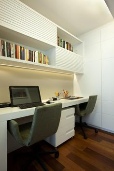 Browse pictures of home office design. Here are our favorite home office ideas that let you work from home. Shared them so you can learn how to work. Cozy Home Office, Home Office Design, Home Office Decor, Office Furniture, Office Ideas, Home Decor, Office Style, Office Designs, Desk Ideas